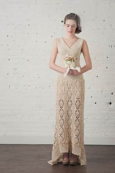 This pineapple crochet dress is stunning and it would look gorgeous in so many colors.