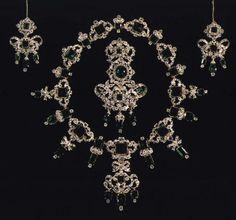 The Royal Order of Sartorial Splendor: Tiara Thursday: The Danish Emerald Parure Tiara