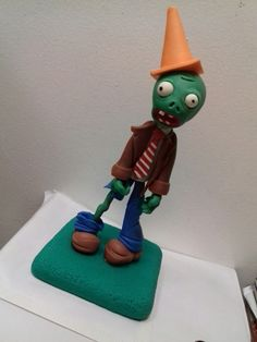 Plantas vs zombis porcelana fria Zombies Vs, Biscuit, Sculpting, Cakes, Christmas Ornaments, Holiday Decor, Plants, Home Decor, Cold