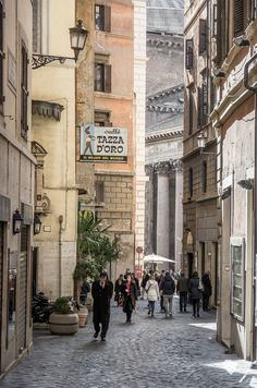 """Rome, Via degli Orfani, Pantheon in the background and one of the best coffee in Rome """"La Tazza d'Oro"""" on the left"""