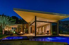 Indoor/Outdoor Living Home in the Bird Streets of Los Angeles - Bradley Bayou