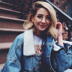 zoella - HAPPY EASTER EVERYONE! What do you have planned for the weekend? I'm mostly going to be eating all the American sweet treats I can get my hands on Zoella Outfits, Zoella Hair, Zoe Sugg, Double Denim, Girl Gang, Celebs, Celebrities, Woman Crush, Girl Boss