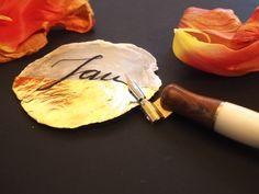 Traumhaft mit der Feder zu Kalligraphieren zu können www.bernhardlakonig.com Paper Mill, Name Labels, Invitations