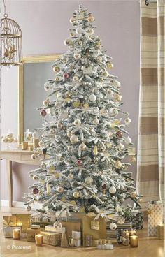7fb30732676 La galleria degli alberi di Natale   Gold - Maisons du Monde Christmas Tree  Ideas 2018