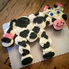 cow cake. Best Birthday Pull Apart Cupcake Cakes. Simple creative cake inspiration for a birthday party celebration.