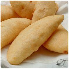 La empanada venezolana, al igual que la arepa, forma parte importante de la gastronomía de Venezuela.