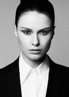 Agence de mannequins Hype models Paris - Model agency in Paris / visage / femme / regard / maquillage