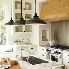How dreamy is this kitchen? Those lights...omg. It's Friday, so check the blog for all that I'm loving this week! #itsfridayiminlove #inspiration #homedecor #decorating #blogger #littleglassjarblog