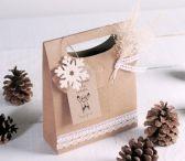 Cette petite boîte en forme de sac peut être utilisée pour offrir des petits accessoires