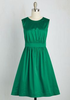 Fun With Fundamentals Dress  When it comes to having a ball, youve got all your bases covered with this vibrant A-line! From hard-to-find British brand Emily and Fin, this satiny, emerald frock features a natural waist, flared skirt, and keyhole closure for a vintage-inspired look that will fill you with glee! The post  Fun With Fundamentals Dress  appeared first on  Vintage & Curvy .  http://www.vintageandcurvy.com/product/fun-with-fundamentals-dress