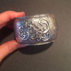 Vintage Silpada cuff bracelet Sure cute vintage Silpada cuff is made of .925 Sterling silver. This is a class piece Silpada Jewelry Bracelets