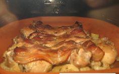 Pui cu cartofi si conopida in vas roman Roman, Bacon, Meat, Chicken, Breakfast, Food, Morning Coffee, Essen, Meals