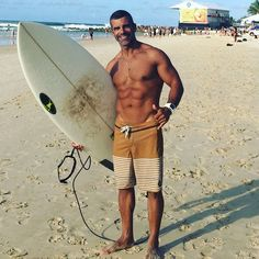 Dia de muito surf valeu parceiro @fefranca @superkortpranchas prancha quebrou tudo em Snnaper Rocks #surf #surfing #surftrip #superkort #goldcoast #gopro #quicksilver #australia #snapperrocks by alexferrertrainer