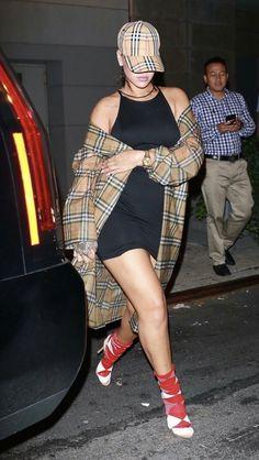 #Rihanna #streetstyle #fashionicon