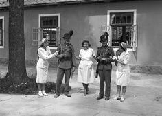 Csendőrök, 1943. Watch V, Ukraine, Wwii, Police, Arch, History, Retro, Hungary, White People