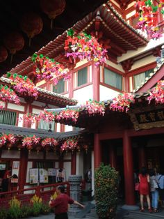 Inside Buddha Tooth Relic Temple and Museum