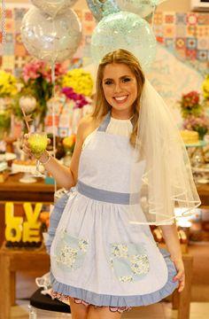 CHÁ BAR BLOG DE CASAMENTO MAÍRA E TIAGO (7) Retro Bridal Showers, Bridal Shower Tea, Dream Wedding, Wedding Day, Kitchen Shower, Bridal Shower Decorations, Maid Of Honor, Getting Married, Wedding Inspiration