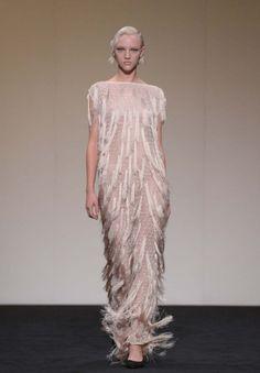mercedes-benz-fashion-week-wedding-dress-bridesmaids-20