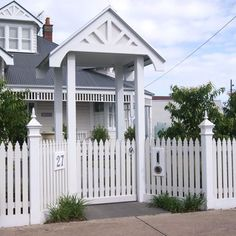 Garden Gates and Fences Arbor Gate, Garden Gates And Fencing, Garden Path, Wood Fence Design, Gate Design, Front Gates, Front Yard Fence, White Picket Fence, Picket Fences