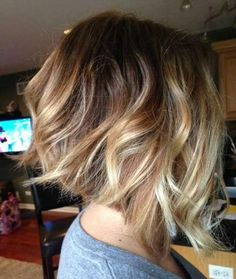 The balayage hair and the short blonde hairstyles are the hottest topics in this year! You can see the balayage hair everywhere now. Ombre hair is trendy. Inverted Bob Haircuts, Wavy Bob Hairstyles, Short Bob Haircuts, Wavy Inverted Bob, Haircut Bob, Layered Haircuts, Bobbed Haircuts, Curled Bob Hairstyle, Concave Hairstyle