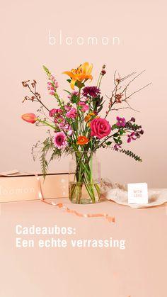 De allerbeste bloemen in stijlvolle designs: bloomon heeft het perfecte cadeau voor elke gelegenheid.  Gift Bouquet, Seasonal Flowers, Hair Dos, Dried Flowers, Sweet Home, Place Card Holders, Seasons, Table Decorations, Floral