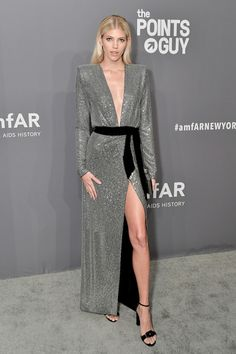 Devon Windsor Beaded Dress - Devon Windsor dazzled in a micro-beaded silver gown by Alexandre Vauthier at the 2019 amfAR New York Gala.