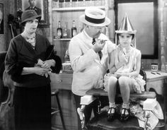 Print W. Fields David The Barber Shop Directed by Arthur Ripley 1936 Short Film Youtube, Mae West, Funny People, Barber Shop, Comedians, Vintage Photos, Fields, Comedy, Hollywood