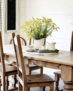Farmhouse Dining Room | See this Instagram photo by @thefreckledfarmhouse