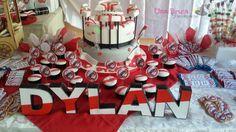 ideas cumpleaños de river Ideas Para Organizar, Gift Wrapping, Plates, Candy, Birthday, Kids, Gabriel, Pastries, Food Cakes