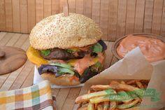 Burger cu Mango Hamburger, Mango, Pizza, Ethnic Recipes, Hamburgers, Pork, Manga, Burgers