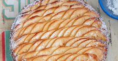 Authentique et simplement divine, cette tarte amandine aux pommes est tout bonnement une petite merveille de gourmandise. D'après la recet...