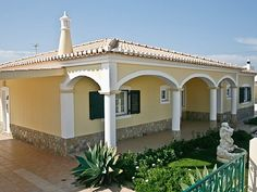 Lovely home for rent in Sagres, not quite as over-touristed as the rest of the Algarve. Walking distance to the beach!