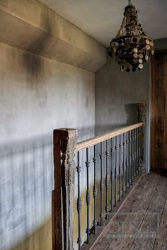 Edda Interiør: Hoffz -- Stair railing great for traditional decor transitioning into rustic.