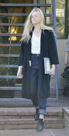elle fanning mom jeans and oversized coat