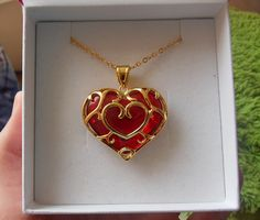 Zelda <3 Heart container large pendant (from Twilight Princess)