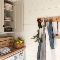 home interior simple utility room kitchen storage shelving hanger small space Interior Desing, Home Interior, Up House, Cozy House, Organizing Hacks, Organization, Folding Laundry, Ideas Hogar, Style Deco