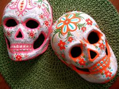how to make a Milk Jug Dia de los Muertos Mask.... Definitely making this with my students!!!!