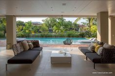 Casa de 6 quartos (suites) de alto luxo com piscina no Condomínio Wimbledon Park na Barra da Tijuca