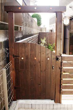 ガーデンゲート: 16garden blogshop Outdoor Steps, D House, Dog Runs, Patio, Small Spaces, Diy And Crafts, New Homes, Exterior, House Design