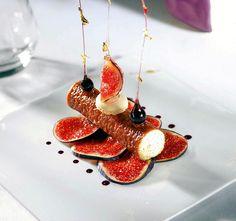 Beau petit dessert en or ! ;) Photo à partager bien sûr ;) . Et si vous n'êtes pas encore fan de la page, il est encore temps de le faire ! ;) http://www.facebook.com/VisionsGourmandes #visionsgourmandes #gastronomie #cuisine @Philippe Clairo Germain