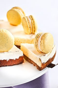 OMG. Cheesecake with lemon poppyseed macarons. I want it right now!