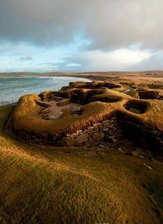 skara brae, orkney, scotland | travel destinations in the united kingdom + ruins…
