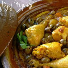 Ricetta Djaj Mqualli - Tajine di pollo alle olive e limone Easy Sesame Chicken, Clean Chicken Recipes, Low Carb Recipes, Healthy Recipes, Pollo Chicken, Asian Recipes, Ethnic Recipes, International Recipes, Olive