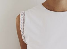 Casa da Rô: DIY: blusa customizada com renda