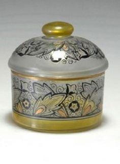 Deckeldose, um 1920 Künstler:     Beckert, Adolf Hersteller:     Pietsch, Friedrich, Steinschönau