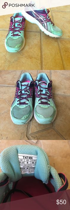 Asics gel running shoes, size 8. Gently used Ive only worn these shoes a couple of times, I'm selling them because I now have a new pair of running shoes I'm trying to clean out my closet. Asics Shoes Athletic Shoes