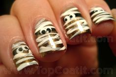 Mummy Halloween nail polish manicure. Too cute! And looks so easy I could do it.