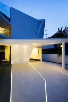 #HomeOwnerBuff lighting, modern home driveway