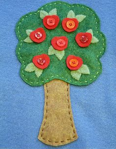 apple tree buttons - fine motor skills, pick apples and then make apple pie to weave.