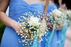 Schön in zweiter Reihe: Modetrends für Brautjungfern    Kaum ein Anlass wird glamouröser zelebriert als die eigene Hochzeit. Dabei ist es nicht nur wichtig, wie sich das Brautpaar kleidet. Neben der Suche nach dem perfekten Hochzeitskleid, muss die Braut auch entscheiden, was ihre Brautjungfern auf dem Weg zum Altar tragen sollen. Behält sie dabei den Trend im Auge, bereichern die Kleider auch nach der Hochzeit noch die Garderobe der besten Freundinnen.